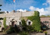 Familie Donker officieel nieuwe eigenaar Fort Prins Frederik